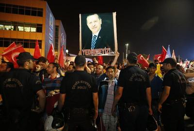 Erdogan returns to Turkey