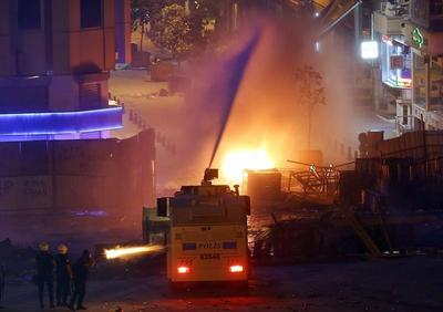 Istanbul clashes intensify