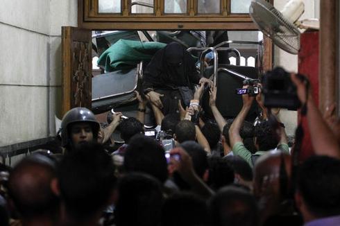 Gunbattle in Cairo mosque