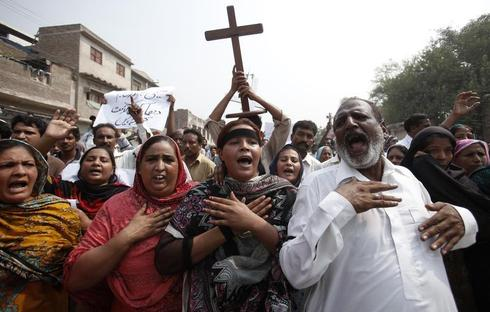Pakistani Christians mourn deaths