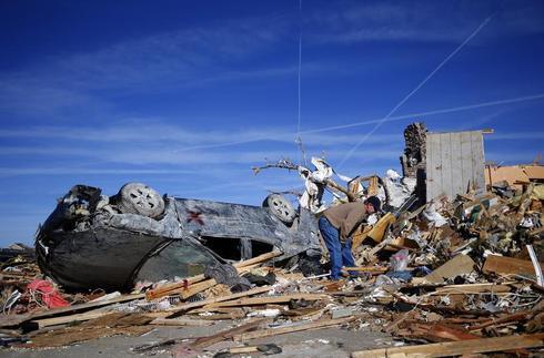 Tornadoes ravage Midwest