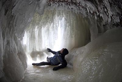 Frozen caves of Lake Superior