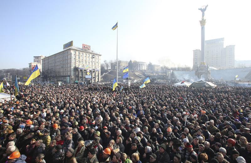 Protesters battle police in Kiev