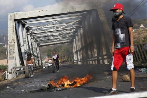 Protests and barricades in Venezuela