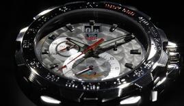 Les ventes de montres de LVMH devraient augmenter de 5% à 7% cette année, une croissance conforme à celle de l'ensemble du secteur suisse, a déclaré lundi à Reuters le nouveau directeur du pôle Montres et Joaillerie du groupe de luxe. /Photo d'archives/REUTERS/Christian Hartmann