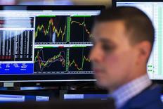 Wall Street a ouvert lundi en baisse. Le Dow Jones perdait 0,06%, dans les premiers échanges. Le Standard & Poor's 500 reculait de 0,17% et le Nasdaq cédait 0,40%. /Photo prise le 4 avril 2014/REUTERS/Lucas Jackson