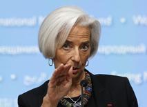 La directrice générale du Fonds monétaire international, Christine Lagarde. Le FMI a exhorté jeudi les dirigeants du monde à davantage de discipline en matière budgétaire et financière pour soutenir la croissance et consolider une reprise économique fragile. /Photo prise le 10 avril 2014/REUTERS/Gary Cameron