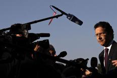 Les règles budgétaires de l'Union européenne ne seront pas appliquées de manière uniforme à la France et à l'Italie parce que leur situation budgétaire est différente, a déclaré vendredi le président de l'Eurogroupe, Jeroen Dijsselbloem, dans un entretien accordé à Reuters. /Photo prise le 1er avril 2014/REUTERS/Alkis Konstantinidis