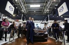 Volvo Car Group compte vendre au moins 80.000 voitures en Chine cette année, ce qui en fera pour la première fois son principal marché, devant les Etats-Unis. /Photo prise le 20 avril 2014/REUTERS/Jason Lee
