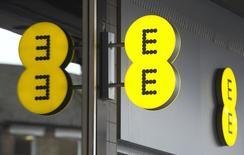 L'opérateur de téléphonie mobile britannique EE a enregistré ses meilleurs résultats trimestriels lors des trois premiers mois de l'année sur son réseau 4G. Le numéro un du secteur en Grande-Bretagne, une coentreprise entre le français Orange et l'allemand Deutsche Telekom, s'attend à voir le nombre d'utilisateurs de son réseau 4G plus que doubler en 2014.A/Photo d'archives/REUTERS/Neil Hall