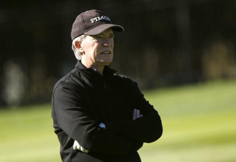 Bill Gross plays golf on the first hole at Pebble Beach Golf Links in Pebble Beach, California, February 8, 2012. REUTERS/Robert Galbraith/Files