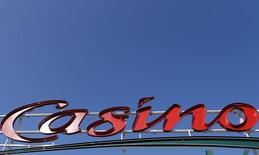 Casino va regrouper ses principales activités de e-commerce en France, en Colombie et en Asie et au Brésil au sein d'un pôle pesant plus de quatre milliards de dollars de chiffre d'affaires qu'il prévoit de coter aux Etats-Unis. /Photo d'archives/REUTERS/Régis Duvignau