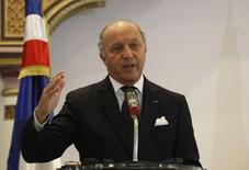 France's Foreign Minister Laurent Fabius talks during a news conference at the Tunisian foreign ministry in Tunisia April 25, 2014. REUTERS/Zoubeir Souissi