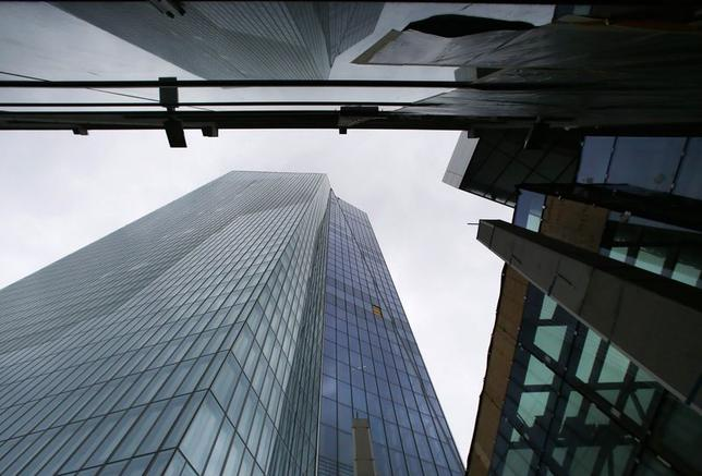 5月8日、ECBは、主要政策金利であるリファイナンス金利を0.25%に据え置いた。写真はフランクフルトのECB新本部。4月撮影(2014年 ロイター/Ralph Orlowski)