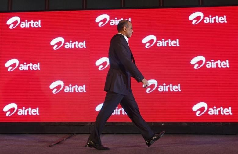 Bharti Airtel Chairman Sunil Mittal walks during an event in Kolkata April 10, 2012. REUTERS/Rupak De Chowdhuri/Files