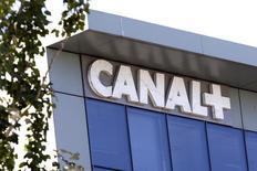 Le groupe Canal+, filiale de Vivendi, a tenu des discussions avec Orange pour le rachat de certaines de ses parts dans la société Dailymotion, selon le Financial Times.  /Photo d'archives/REUTERS/Charles Platiau