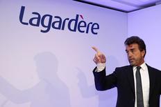 Le groupe de médias dirigé par Arnaud Lagardère a enregistré sur les trois premiers mois de l'année des revenus de 1,526 milliard d'euros, en repli de 5,6% à données comparables. /Photo prise le 12 mars 2014/REUTERS/Benoît Tessier