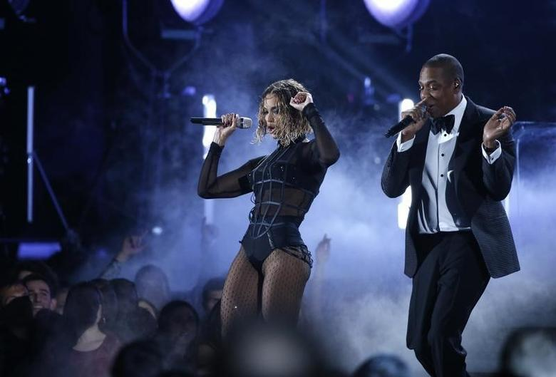 Beyonce and Jay-Z perform ''Drunk In Love'' at the 56th annual Grammy Awards in Los Angeles, California January 26, 2014. REUTERS/Mario Anzuoni