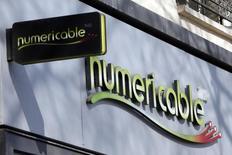 Le câblo-opérateur Numericable entre en négociations exclusives en vue de racheter Virgin Mobile dans le cadre d'une opération qui valorisera l'opérateur télécoms virtuel à 325 millions d'euros. /Photo prise le 7 mars 2014/REUTERS/Charles Platiau