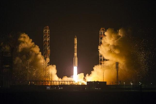 The Proton-M booster blasts off with the Satmex 8 communication satellite at Baikonur cosmodrome March 27, 2013. REUTERS/Shamil Zhumatov