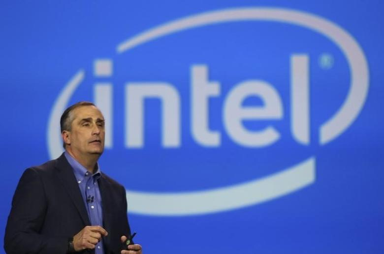 Intel CEO Brian Krzanich delivers his keynote address during the annual Consumer Electronics Show (CES) in Las Vegas, Nevada January 6, 2014. REUTERS/Robert Galbraith/Files