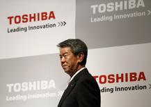 Le PDG de Toshiba, Hisao Tanaka. Le groupe japonais a l'intention d'augmenter son chiffre d'affaires de 1.000 milliards de yens (7,2 milliards d'euros), pour le porter à 7.500 milliards, d'ici la fin de l'exercice fiscal se terminant le 31 mars 2017, avec une hausse aussi bien des ventes à destinations des entreprises que celles réalisées hors du Japon. /Photo prise le 22 mai 2014/REUTERS/Issei Kato