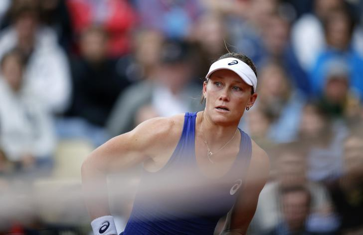 Samantha Stosur of Australia looks on during her women's singles match against Monica Puig of Puerto Rico at the French Open tennis tournament at the Roland Garros stadium in Paris May 26, 2014.               REUTERS/Stephane Mahe