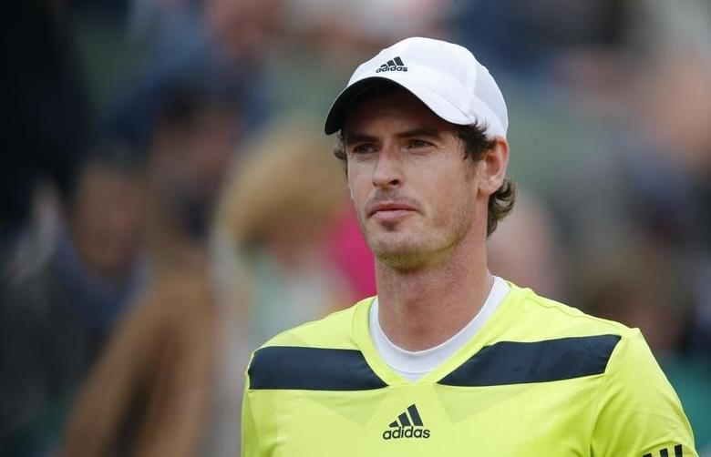 Andy Murray of Britain looks on during his men's singles match Andrey Golubev of Kazakhstan at the French Open tennis tournament at the Roland Garros stadium in Paris May 27, 2014.   REUTERS/Stephane Mahe