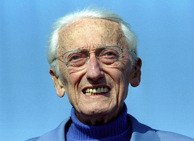 APRIL 9 1995 FILER - Captain Jacques Yves Cousteau, the French marine explorer died in Paris June 25. Cousteau, 87, campaigned vigourously against marine pollution. He popularised underwater exploration with the help of a French engineer Emile Gagnan when they built the first skin-diving suit in 1943.FRANCE COUSTEAU - RTR4RNZ