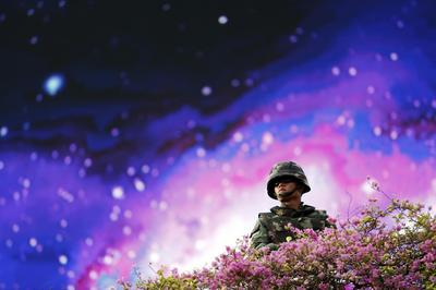 Huge Thai security force deployment stifles coup...