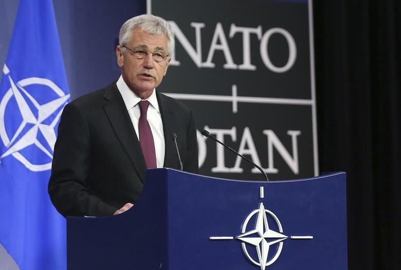 Il segretario Usa alla Difesa Chuck Hagen nel corso di una conferenza stampa nella sede della Nato, a Bruxelles, nel febbraio scorso. REUTERS/Francois Lenoir