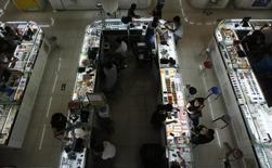 L'activité des services en Chine est tombée en mai à son plus bas niveau depuis quatre mois, selon l'enquête HSBC/Markit réalisée auprès des directeurs d'achat publiée jeudi. /Photo d'archives/REUTERS/Kim Kyung-Hoon