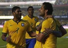 Fred comemora gol em amistoso contra a Sérvia no Morumbi, em São Paulo.  6/6/ 2014. REUTERS/Paulo Whitaker