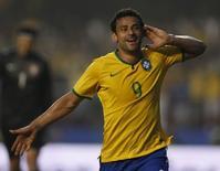Fred comemora após marcar gol da vitória do Brasil sobre a Sérvia em amistoso em São Paulo. 06/06/2014     REUTERS/Paulo Whitaker