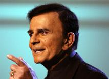 "U.S. television and radio personality Casey Kasem appears on the ""American Top 40 Live"" show in Los Angeles in this April 24, 2005 file photo. REUTERS/Lee Celano/Files"