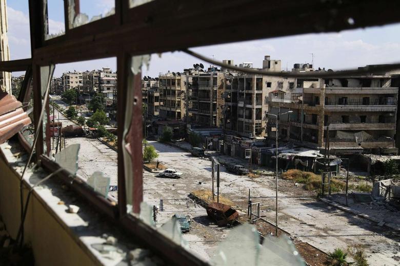 A general view of damage in Saif Al-Dawla street in Aleppo June 8, 2014. REUTERS/Hamid Khatib