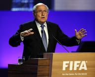 O presidente da Fifa, Joseph Blatter, discursa durante congresso da Fifa em São Paulo, nesta quarta-feira. 11/06/2014 REUTERS/Paulo Whitaker