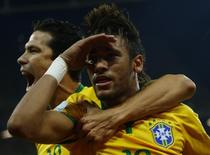 Neymar comemora gol marcado contra a Croácia na abertura da Copa. 12/06/2014   REUTERS/Ivan Alvarado