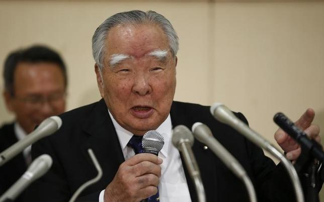 Suzuki Motor Corp Chairman and Chief Executive Osamu Suzuki speaks during a news conference on the company's financial results in Tokyo May 9, 2014. REUTERS/Toru Hanai
