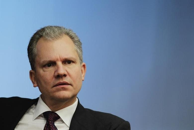 Arthur Sulzberger, Jr., chairman of The New York Times Company, listens at the Reuters Global Media Summit in New York, November 30, 2010.  REUTERS/Brendan McDermid/Files