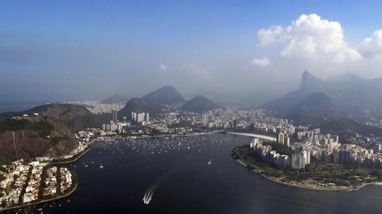The skyline of Rio de Janeiro is pictured June 16, 2014.    REUTERS/Michael Dalder (BRAZIL  - Tags: SPORT SOCCER WORLD CUP)   - RTR3U4C0