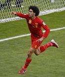 Belga Fellaini comemora gol na vitória sobre a Argélia. 17/06/2014 REUTERS/Leonhard Foeger