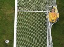 Goleiro da Inglaterra, Joe Hart, durante partida contra a Itália em Manaus. REUTERS/Francois Marit/Pool