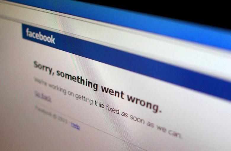 A Facebook error message is seen in this illustration photo of a computer screen in Singapore June 19, 2014. REUTERS/Thomas White