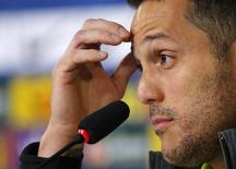 Goleiro brasileiro Julio Cesar concede entrevista nesta quinta-feira.  REUTERS/Stringer/Brazi/Marcelo Regua