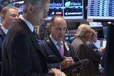 Wall Street a ouvert en hausse vendredi. Le Dow Jones avance de 0,15%, à 16.947,41. Le Standard & Poor's 500 progresse de 0,12% et le Nasdaq gagne 0,06% /Photo prise le 19 juin 2014/REUTERS/Brendan McDermid