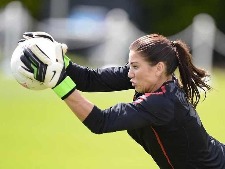 U.S. Olympic women's soccer player Hope Solo attends a training session during the London 2012 Olympic Games at Eltham College in London August 8, 2012. REUTERS/Nigel Roddis