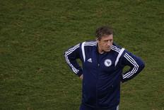 Técnico da seleção da Bósnia, Safet Susic, durante treino da equipe em Cuiabá. 20/06/2014. REUTERS/Ueslei Marcelino
