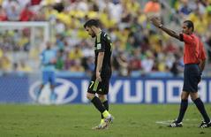 David Villa, da seleção espanhola, é substituído durante partida contra a Austrália em Curitiba. 23/06/2014. REUTERS/Henry Romero