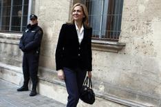 Spain's Princess Cristina, daughter of King Juan Carlos, arrives at a courthouse to testify before judge Jose Castro over tax fraud and money-laundering charges in Palma de Mallorca February 8, 2014. REUTERS/Paul Hanna